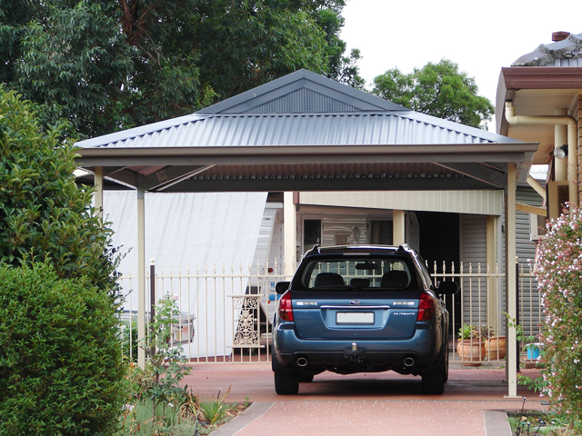 The entertainer dutch gable carport fair dinkum sheds for Gable roof garage